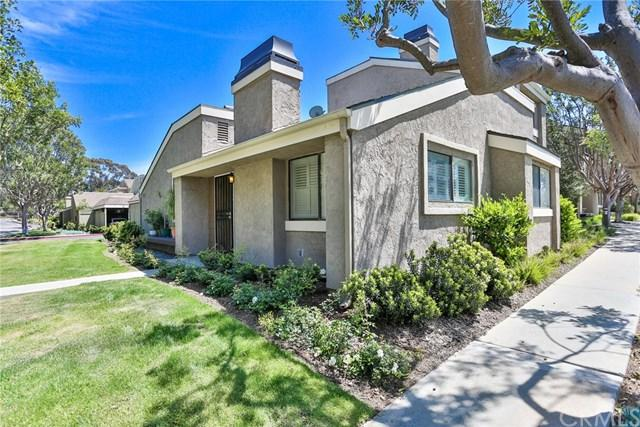 21 Summerwalk Court #43, Newport Beach, CA 92663 (#OC18095580) :: Pam Spadafore & Associates