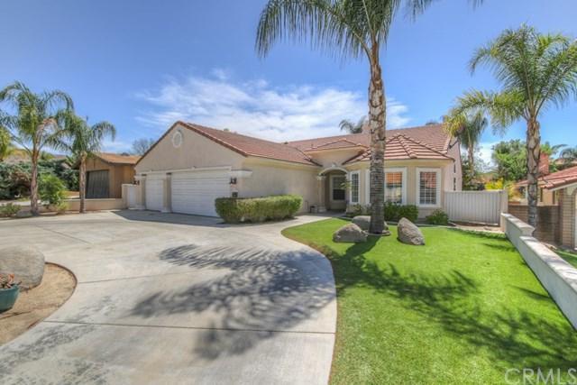 23201 Canyon Lake Dr. South Drive S, Canyon Lake, CA 92587 (#SW18096315) :: Impact Real Estate