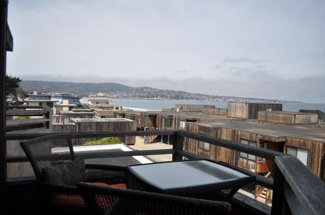 125 Surf Way #431, Monterey, CA 93940 (#ML81704212) :: Fred Sed Group