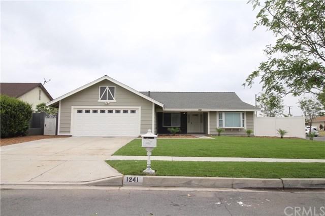 1241 N Mulberry Avenue, Rialto, CA 92376 (#CV18112963) :: Mainstreet Realtors®