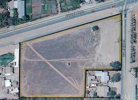 8804 Jurupa Road, Jurupa Valley, CA 92509 (#EV18117510) :: Provident Real Estate