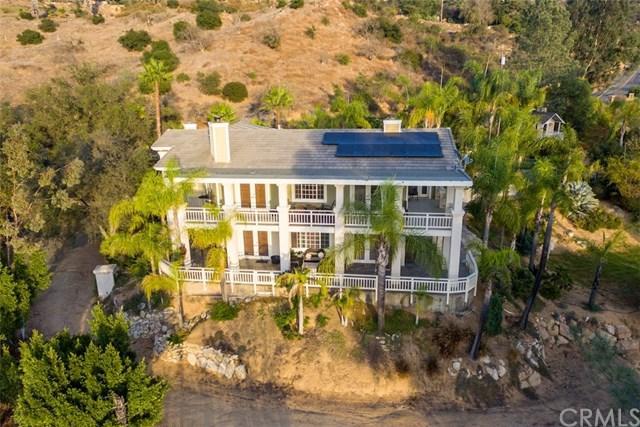 5645 Rainbow Heights Road, Fallbrook, CA 92028 (#SW18117967) :: Kristi Roberts Group, Inc.