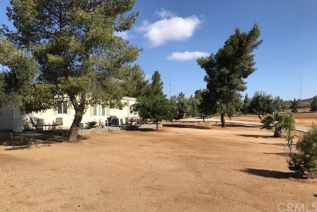 39651 San Ignacio Road, Hemet, CA 92544 (#SB18116407) :: Impact Real Estate