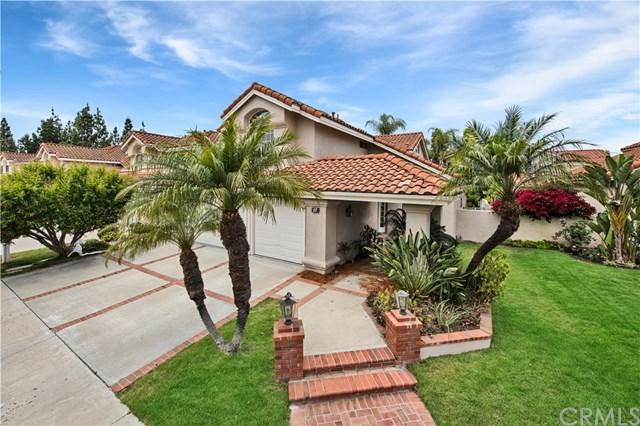 15 Barcelona, Irvine, CA 92614 (#OC18118545) :: Berkshire Hathaway Home Services California Properties