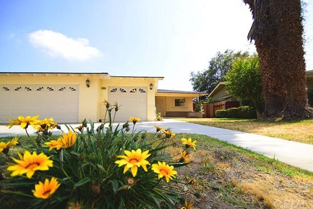 17585 Vine Street, Fontana, CA 92335 (#CV18120251) :: Allison James Estates and Homes