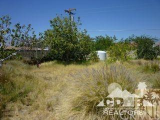 Verbena, Desert Hot Springs, CA 92340 (#218015644DA) :: RE/MAX Innovations -The Wilson Group