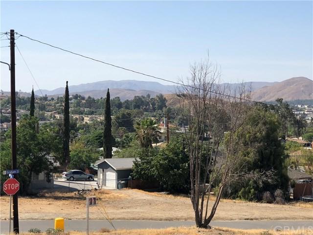 282 E Peck Street, Lake Elsinore, CA 92530 (#SW18120018) :: Kim Meeker Realty Group