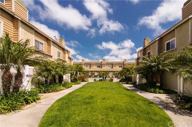 290 Victoria Street E2, Costa Mesa, CA 92627 (#NP18120572) :: DiGonzini Real Estate Group