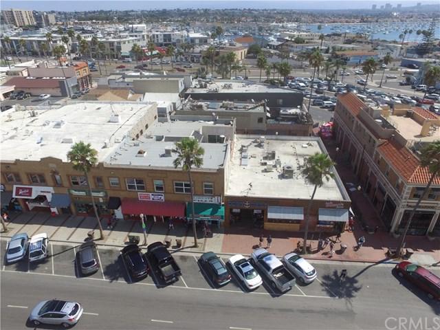 2110 W Oceanfront, Newport Beach, CA 92663 (#OC18121141) :: DiGonzini Real Estate Group