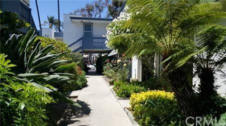 245 Aster Street #5, Laguna Beach, CA 92651 (#LG18120892) :: Doherty Real Estate Group