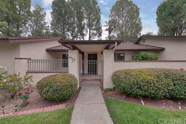19508 Avenue Of The Oaks B, Newhall, CA 91321 (#SR18121209) :: Allison James Estates and Homes
