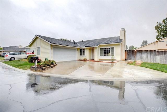 28633 Berwick Lane, Highland, CA 92346 (#EV18112267) :: Allison James Estates and Homes