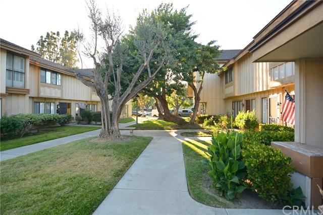 9610 Karmont Avenue, South Gate, CA 90280 (#DW18086017) :: IET Real Estate