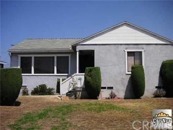 737 W 140th Street, Gardena, CA 90247 (#DW18121432) :: Millman Team