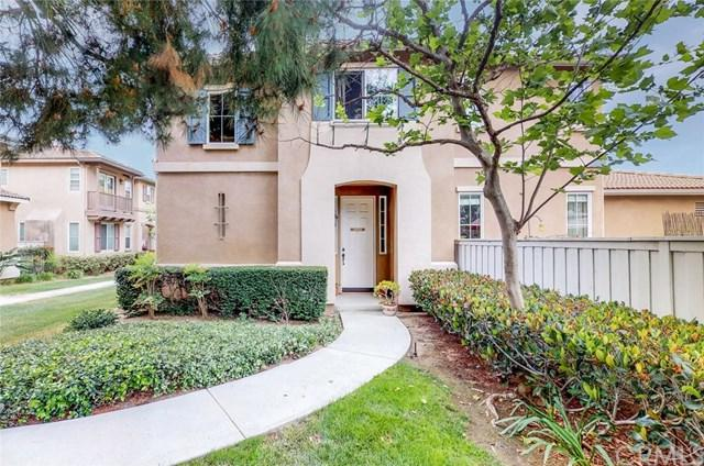30 Royal Victoria, Irvine, CA 92606 (#OC18121884) :: Doherty Real Estate Group