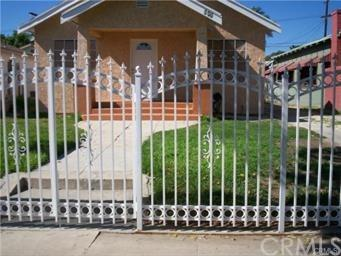 845 W 50th Place, Los Angeles (City), CA 90037 (#DW18121980) :: Group 46:10 Central Coast