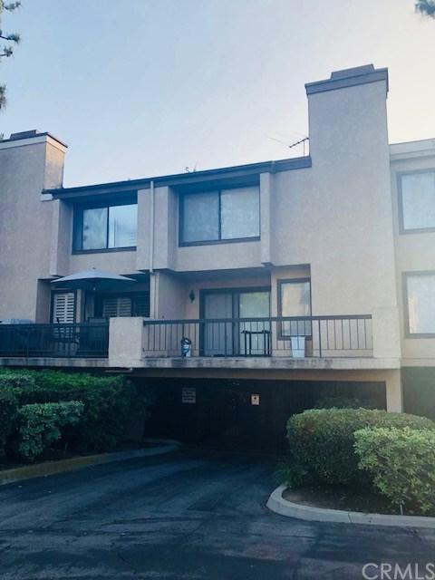 849 E Victoria Street #805, Carson, CA 90746 (#DW18122097) :: Barnett Renderos