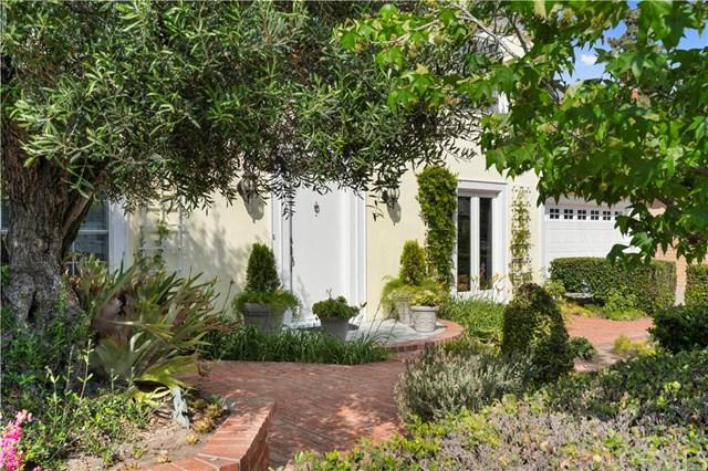 1661 Orchard Drive, Newport Beach, CA 92660 (#NP18122333) :: Fred Sed Group