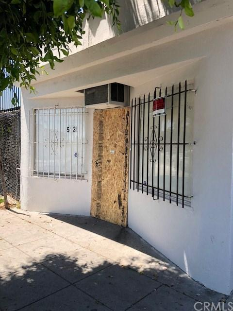513 N Long Beach Boulevard, Compton, CA 90221 (#DW18123173) :: IET Real Estate