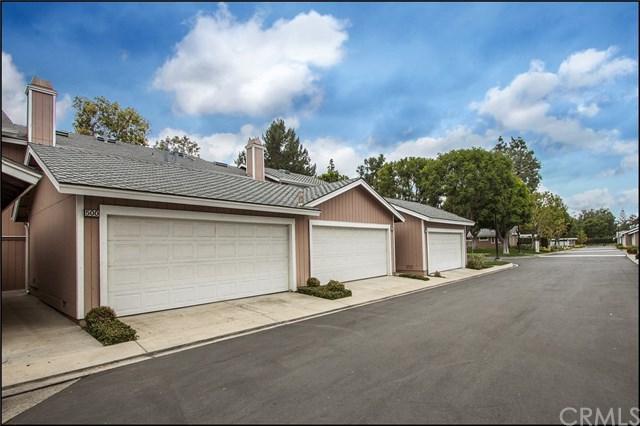 500 Monroe #14, Irvine, CA 92620 (#OC18122338) :: Scott J. Miller Team/RE/MAX Fine Homes