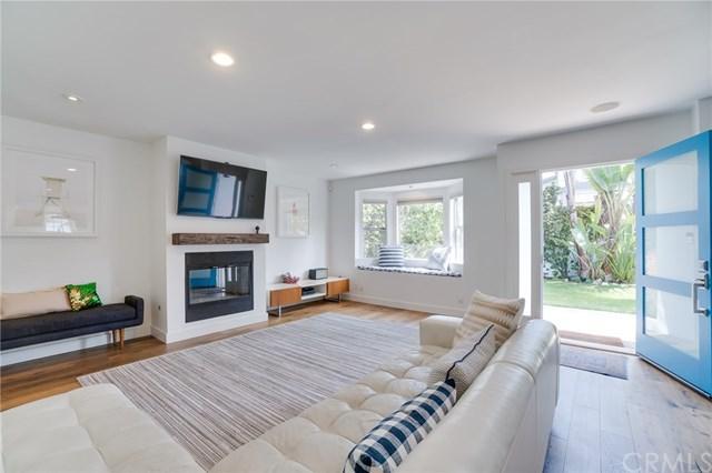 1747 2nd Street, Manhattan Beach, CA 90266 (#SB18120149) :: Barnett Renderos