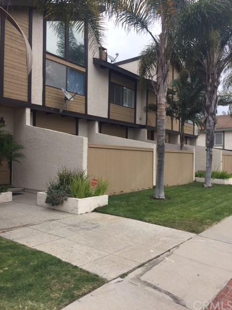 2519 Carnegie Lane E, Redondo Beach, CA 90278 (#SB18123491) :: Barnett Renderos
