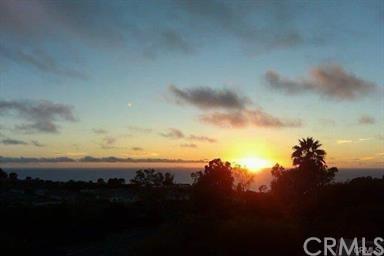 25 Peartree #18, Rolling Hills Estates, CA 90274 (#SB18123536) :: Barnett Renderos