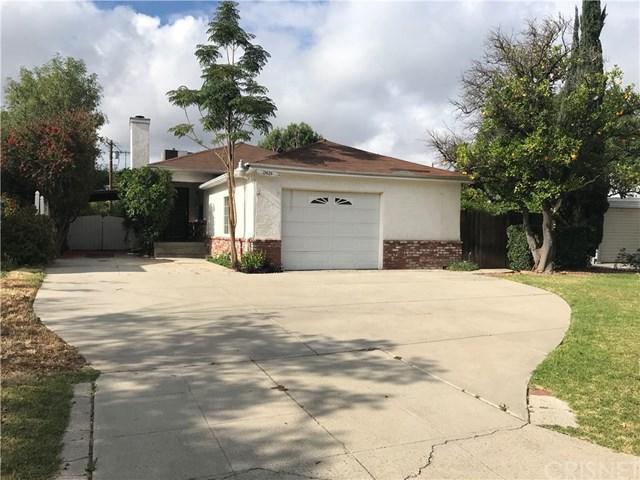 17626 Tulsa Street, Granada Hills, CA 91344 (#SR18123937) :: Fred Sed Group