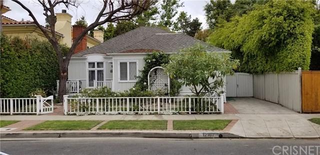 12167 Leven Lane, Los Angeles (City), CA 90049 (#SR18124703) :: Barnett Renderos