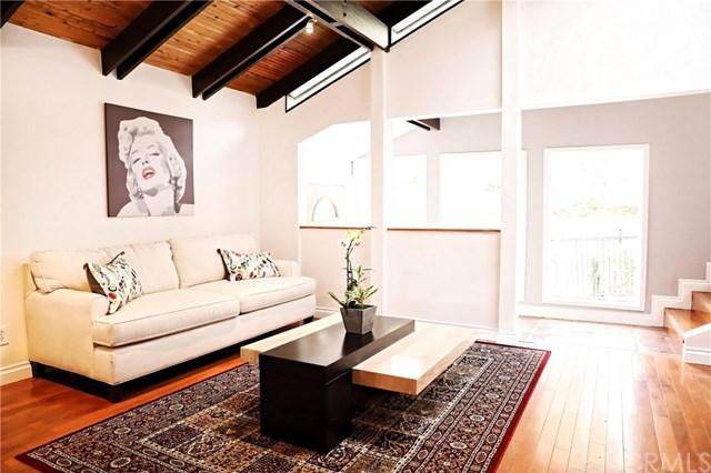 2268 Laurel Canyon Boulevard, Hollywood Hills, CA 90046 (#BB18122147) :: Prime Partners Realty