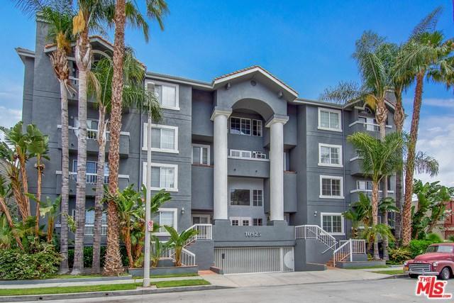 10925 Blix Street #310, Toluca Lake, CA 91602 (#18348936) :: The Brad Korb Real Estate Group