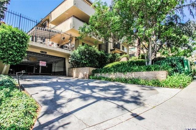 6700 Hillpark Drive #403, Hollywood Hills, CA 90068 (#318002175) :: Prime Partners Realty