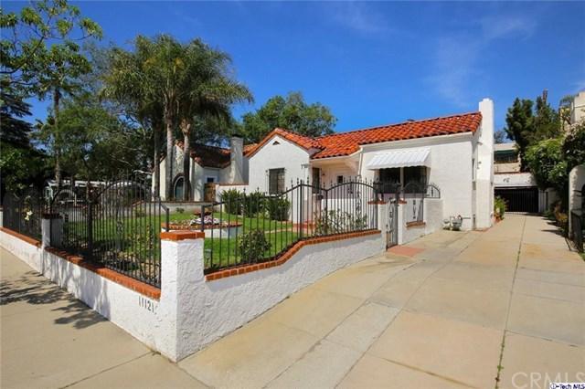 11121 Landale Street, Toluca Lake, CA 91602 (#318002255) :: The Brad Korb Real Estate Group