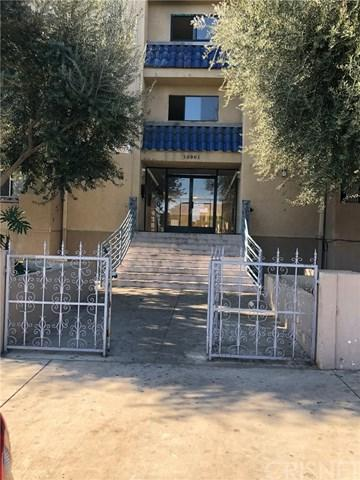 10901 Laurel Canyon #207, San Fernando, CA 91340 (#SR18136938) :: The Brad Korb Real Estate Group