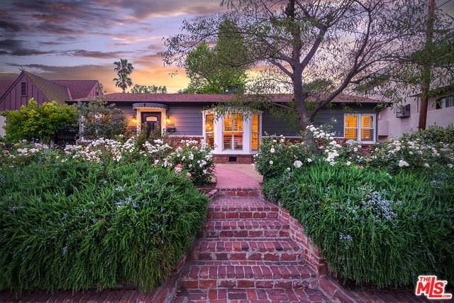 4445 Placidia Avenue, Toluca Lake, CA 91602 (#18353404) :: The Brad Korb Real Estate Group
