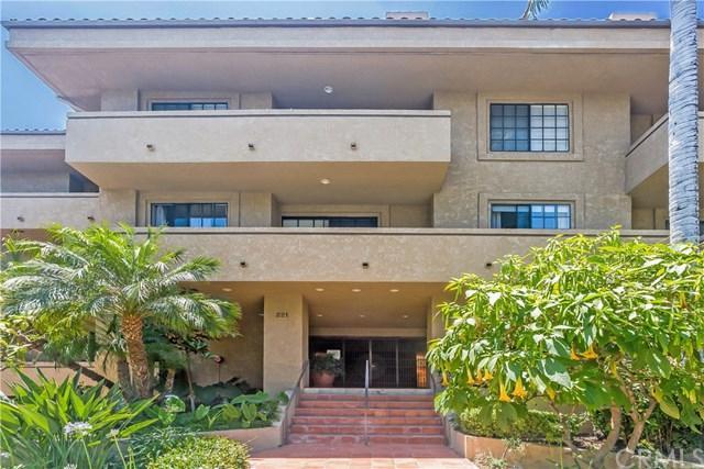 221 S Oak Knoll Avenue #303, Pasadena, CA 91101 (#AR18143567) :: The Brad Korb Real Estate Group