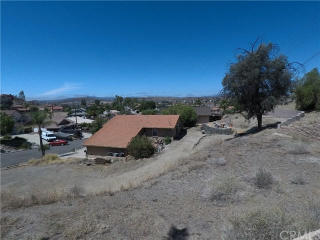 22 E San Joaquin Dr, Canyon Lake, CA 92587 (#SW18144199) :: Impact Real Estate