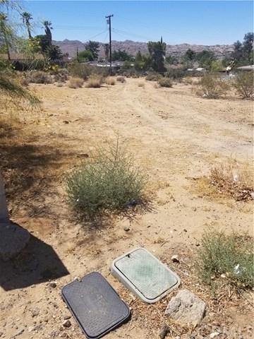 0 Hanford, Yucca Valley, CA 11362 (#JT18145251) :: The Darryl and JJ Jones Team