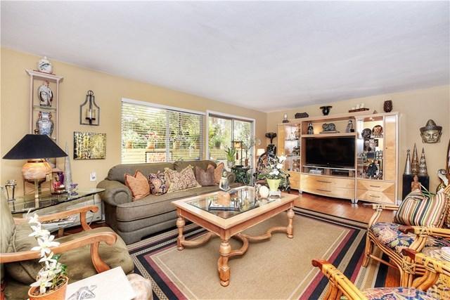 644 Avenida Sevilla B, Laguna Woods, CA 92637 (#OC18141562) :: McMonigle Group