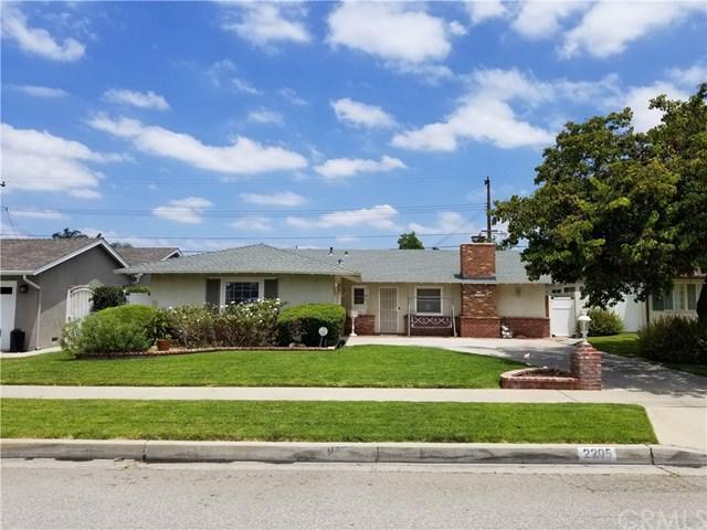 2205 E Adams Avenue, Orange, CA 92867 (#OC18144610) :: The Darryl and JJ Jones Team