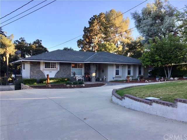 300 W 25th Street, Upland, CA 91784 (#CV18146794) :: Cal American Realty