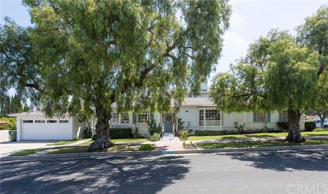 1716 S Averill Avenue, San Pedro, CA 90732 (#SB18146817) :: Go Gabby
