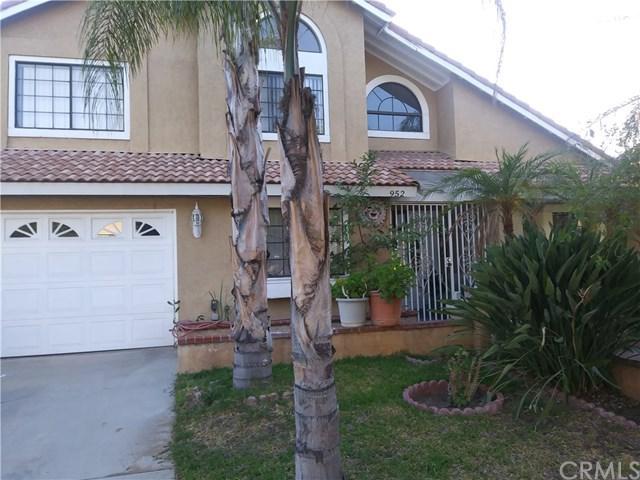 952 S Olive Avenue, Rialto, CA 92376 (#IV18147017) :: The Darryl and JJ Jones Team