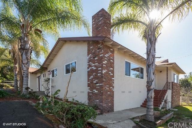 2060 E Mission Road, Fallbrook, CA 92028 (#SW18148137) :: RE/MAX Empire Properties