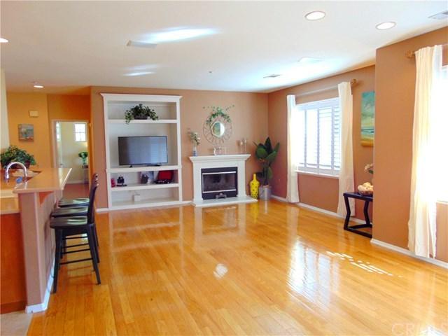 60 Salton #33, Irvine, CA 92602 (#PW18148195) :: Z Team OC Real Estate