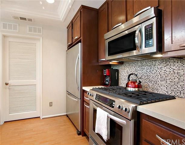 4 Woodcrest Lane #326, Aliso Viejo, CA 92656 (#OC18146402) :: Z Team OC Real Estate