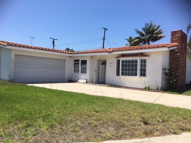 8241 Garfield Avenue, Huntington Beach, CA 92646 (#RS18148788) :: Teles Properties | A Douglas Elliman Real Estate Company