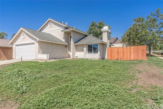 13383 Daffodil Lane, Yucaipa, CA 92399 (#CV18149479) :: Realty Vault
