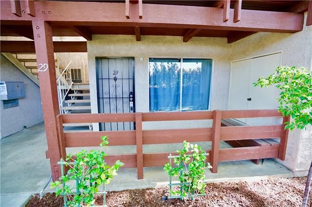 2040 W Avenue J13 #29, Lancaster, CA 93536 (#SR18149561) :: Impact Real Estate