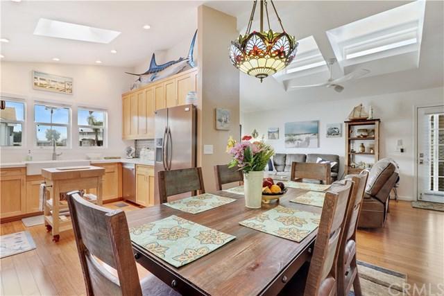 261 Mayflower Drive #261, Newport Beach, CA 92660 (#OC18149687) :: DSCVR Properties - Keller Williams